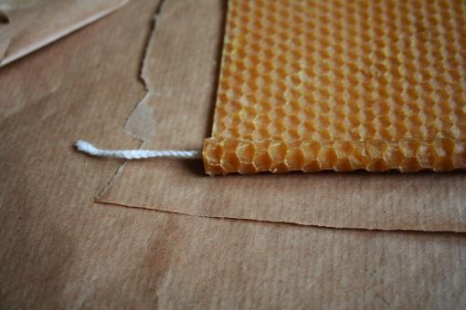 des bougies en cire d abeille petit papa no l. Black Bedroom Furniture Sets. Home Design Ideas